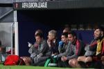 Trắng tay ở đấu trường châu Âu, HLV Wenger thêm buồn bã trước ngày chia tay Arsenal