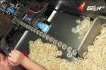 Sợ hàng giả, người Trung Quốc đổ xô sang Nhật mua bao cao su