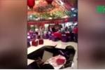Đang ăn cỗ cưới, khách bị 'hố tử thần' nuốt chửng