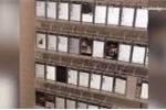 Hé lộ dây chuyền sản xuất 'view ảo, like dạo' với 10.000 chiếc smartphone
