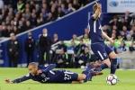 Đánh rơi chiến thắng sau 143 giây, Tottenham lỡ cơ hội đuổi kịp Liverpool