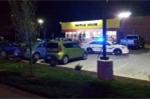 Mỹ ráo riết truy lùng tay súng khỏa thân xông vào cửa hàng bắn chết 4 người