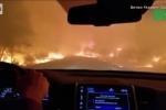 Clip: Nữ tài xế vừa khóc vừa lái xe qua biển lửa như tận thế ở Mỹ