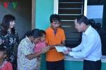 Đại sứ quán Việt Nam tại Campuchia thăm hỏi cháu bé bị bạo hành