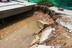Đường kè sông Tiền ở Tiền Giang xuất hiện nhiều vết nứt, sụt lún
