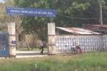 Trà Vinh: Hít phải thuốc diệt cỏ, 60 học sinh nhập viện