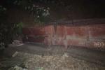 Sạt lở đất đá ở Yên Bái: Đoàn tàu đang chờ bốc hàng bị vùi lấp