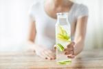 6 tác hại của việc uống quá nhiều nước chanh loãng