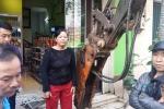 Hà Nội dẹp 'cướp' vỉa hè: Chủ cửa hàng tạp hóa quyết không trả lại vỉa hè