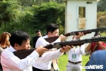 Bộ trưởng Nguyễn Ngọc Thiện cùng 2 nhà vô địch Olympic trao giải tại Đại hội TDTT Toàn quốc
