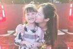 Con gái MC Thành Trung hạnh phúc khi gặp thần tượng Hương Tràm