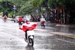 Hà Nội nóng như thiêu như đốt, Sài Gòn mưa như trút nước