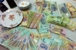 Khởi tố 11 đối tượng đánh bạc tại nhà công an xã