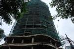 Clip: Kỳ lạ tòa nhà bỏ không, trở thành bãi rác ở nơi giá đất lên tới nửa tỷ đồng/m²