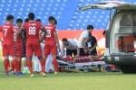Video: Trọng tài nhét ngón tay vào miệng, cứu mạng cầu thủ U19 Việt Nam