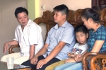 Benh vien trao nham con o Ha Noi phai boi thuong cho 2 gia dinh the nao? hinh anh 1