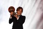 Modric đoạt Quả bóng Vàng: Chấm dứt kỷ nguyên Messi - Ronaldo hay trò lố của France Football?