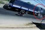 Clip: Khoảnh khắc xe tải tông đuôi xe đầu kéo thảm khốc ở Bình Thuận