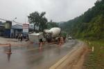 Ô tô bồn đối đầu xe container, 2 tài xế bị thương