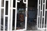 Chồng sát hại vợ rồi ôm con cố thủ trong nhà ở TP.HCM: Lời kể của mẹ hung thủ