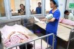 Bệnh viện làm gì để tránh trao nhầm con?