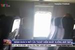 Clip: Tá hỏa nữ hành khách mở cửa thoát hiểm, nhảy khỏi máy bay