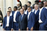 Tổng thống mở tiệc mừng công tuyển Pháp ở điện Elysee