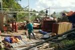 Lốc xoáy làm sập và tốc mái 52 căn nhà ở Bạc Liêu