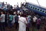 Tháo đường ray để sửa nhưng không báo lái tàu, gây tai nạn thảm khốc ở Ấn Độ