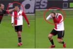 Clip: Cầu thủ Hà Lan ăn vạ thô thiển như trò hề
