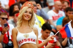 FIFA muốn bớt cảnh quay nữ CĐV nóng bỏng, nghị sỹ Nga phản đối gay gắt