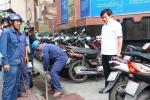 Nghe dân tố cáo, phó chủ tịch quận 'xử đẹp' quán cà phê 'cướp' vỉa hè Sài Gòn