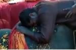 Clip: Người quản tượng khóc thảm thiết bên xác con voi già gây xúc động mạnh
