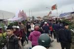 Dòng người ùn ùn đổ về chợ Viềng Nam Định trước giờ khai hội