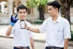 2 nam sinh 10X Sài Gòn sáng tạo 'Găng tay chuyển ngữ' giúp người câm điếc có thể nói chuyện bằng lời
