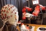 'Choáng' với robot có thể điều khiển bằng suy nghĩ