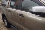 Đậu ôtô dưới chung cư, người đàn ông tá hỏa khi xe bị tưới đầy keo chó