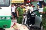 Mở cửa ô tô bất cẩn khiến cô gái chết thảm: Tài xế phải chịu trách nhiệm hình sự