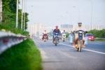 Video: Bất chấp biển cấm, xe máy 'tác oai tác quái' trên đại lộ nghìn tỷ