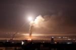 Video: Quan khách dự đám cưới Israel hú hét kinh hãi khi tên lửa Israel phóng bay ngang qua đầu