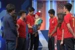 Tặng quà xúc động cho em bé ung thư, bộ tứ U23 Việt Nam nhận giải Fair Play