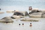 Tắm sông khi thủy điện đang xả nước, 4 học sinh bị cuốn trôi