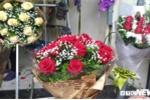 Thị trường quà tặng ngày 8/3: Giá hoa hồng tăng 'chóng mặt'