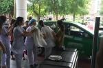 Trên đường vào bệnh viện, sản phụ ở Bắc Giang đẻ rơi trên taxi
