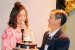 Hoàng Yến Chibi xúc động khi được bố bí mật mang bánh kem tặng sinh nhật