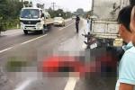 Phi xe máy tông vào đuôi xe tải, đôi nam nữ thiệt mạng