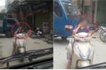 Clip: Nữ 'ninja' dừng xe giữa đường buôn điện thoại khiến dân mạng sôi máu