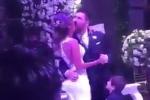 Video: Hùng hục hôn vợ, Messi bị chê thậm tệ trong đám cưới thế kỷ