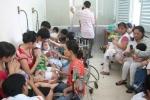 Thời tiết thất thường, trẻ em 'ồ ạt' nhập viện