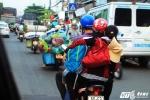 Người dân 'tay xách, nách mang' đổ về Sài Gòn sau kỳ nghỉ lễ
